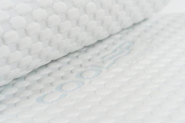 Анатомическая подушка со съемным охлаждающим чехлом малого размера 49×33×9.5-11.5 см 4