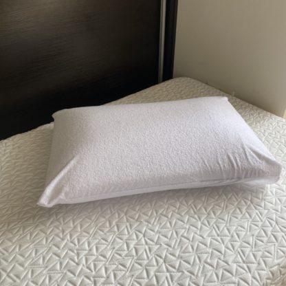 Влагозащитный чехол на подушку 2
