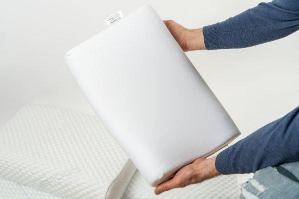Анатомическая подушка большого размера 60×40×12-14 см 4
