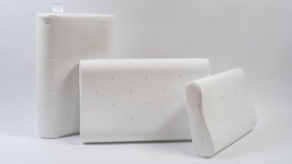 Анатомическая подушка с влаго-защитным чехлом среднего размера 60×40×10-12 см 2